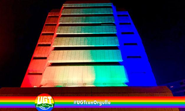 UGT ilumina su sede con los colores de la bandera LGTBI