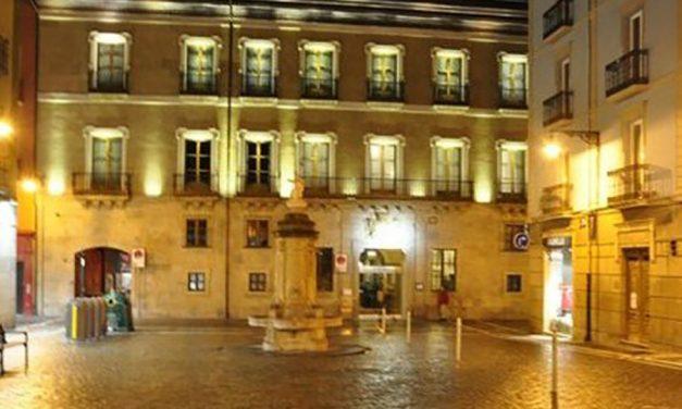 La plantilla del hotel Palacio de Guendulain repalda el acuerdo sobre el ERE por despido colectivo, tras elevar la empresa la indemnización a 30 días por año de servicio y extender la relación laboral hasta el 31 de julio