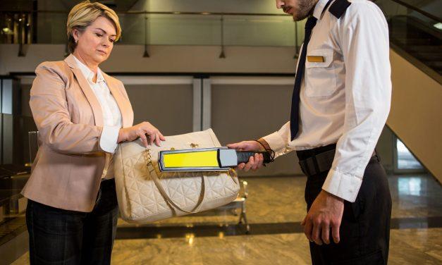 Los auxiliares de servicios dispuestos en el aeropuerto de Madrid Barajas, mantendrán sus puestos de trabajo