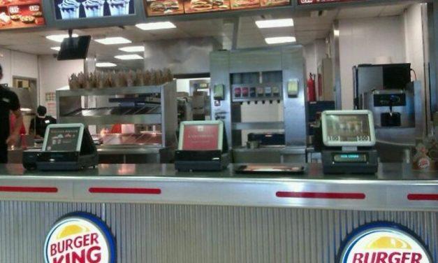 Burger King de Ceuta condenada a la readmisión de un representante de UGT, y a una indemnización de 25.000€